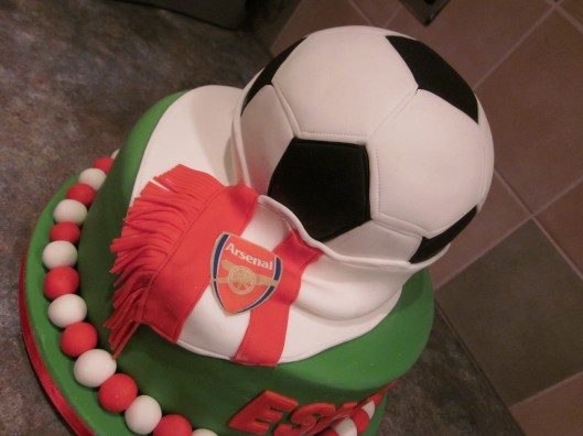 Football cake, arsenal